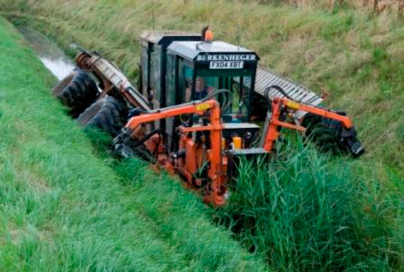Drain side cutting machine no longer in use due to its impact on habitats for plants and small mammals